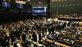 A PEC 241, que limita o teto dos gastos públicos, é aprovada na Câmara e segue agora para o Senado Foto: Fabio Rodrigues Pozzebom/Agência Brasil